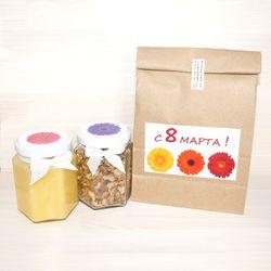 Подарочный набор с мёдом и орехами к 8 марта
